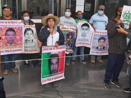 Se cumplen 6 años del caso Ayotzinapa: Familiares de los estudiantes desaparecidos exigen verdad y justicia
