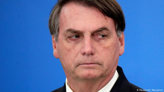 Bolsonaro: Quedarse en casa para evitar el COVID-19 es cosa de débiles