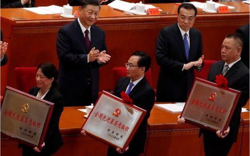 Presidente Xi Jinping condecoró a personal sanitario y médicos chinos  declaran haber derrotado al Covid-19