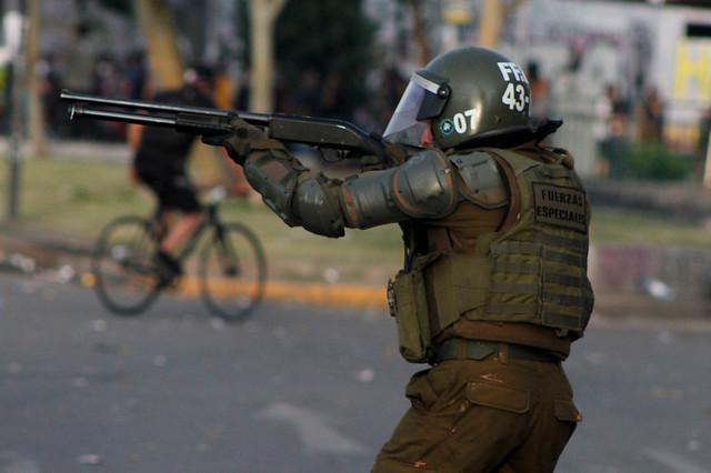 Convergencia Social denuncia ante Contraloría nula respuesta de Carabineros e Interior a 70 oficios enviados por su actuar represivo