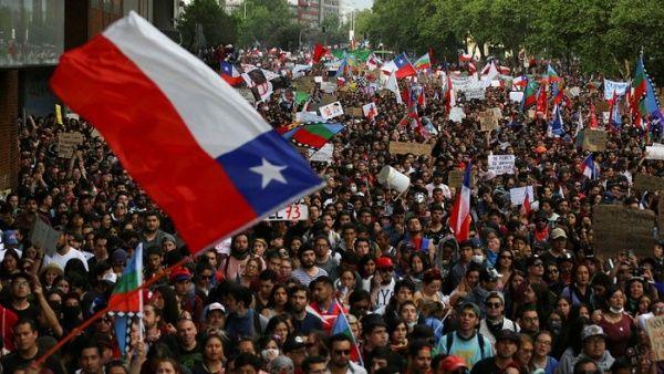 Pueblo chileno en las calles