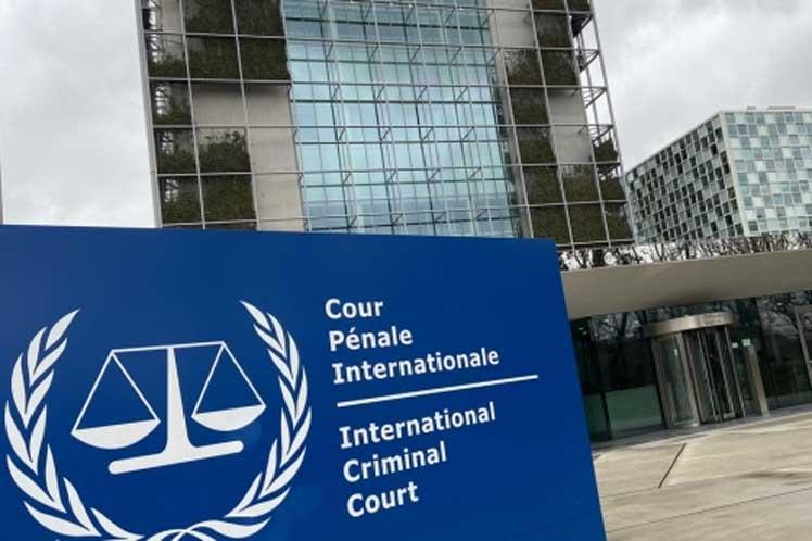 EE. UU. sanciona a la fiscal de la CPI en represalia por  investigaciones de crímenes de guerra en Afganistán