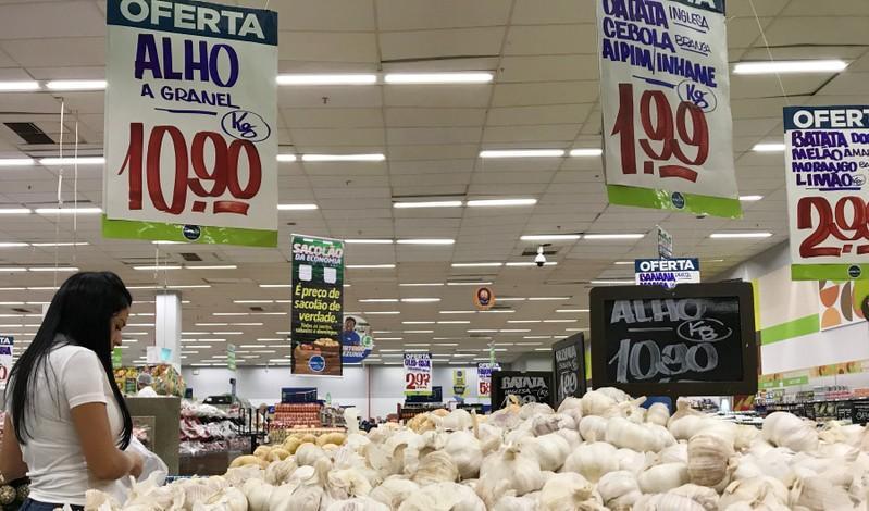 Brasil ahogada por la crisis: Precios de los alimentos se disparan en el país amazónico