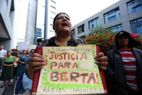 Exigen fin de dilaciones para amparar a autor intelectual del asesinato de Berta Cáceres