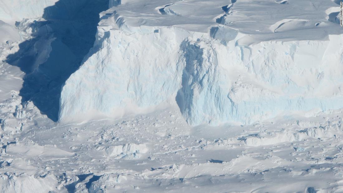 Revelan daños severos en dos importantes glaciares antárticos