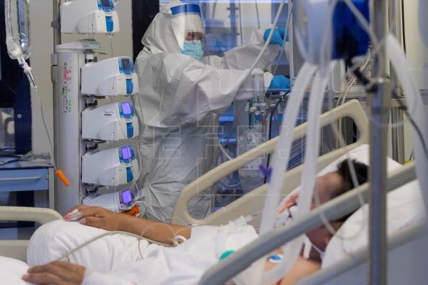 Informe ICOVID reporta un aumento de 143 % en los contagios semanales
