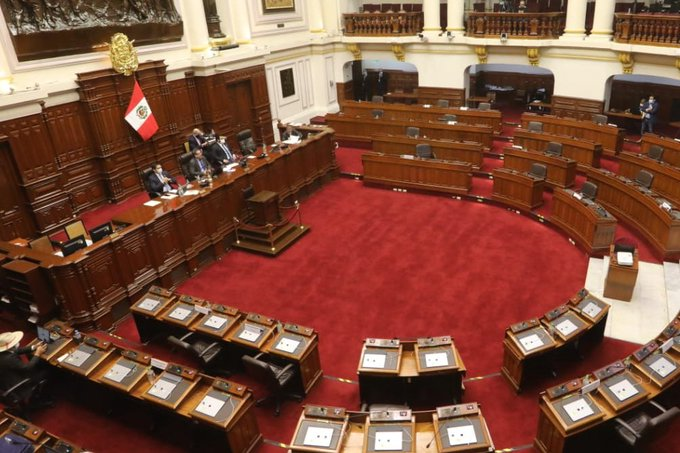 Con 65 votos a favor, Congreso de Perú aprueba el pedido para destituir a Vizcarra