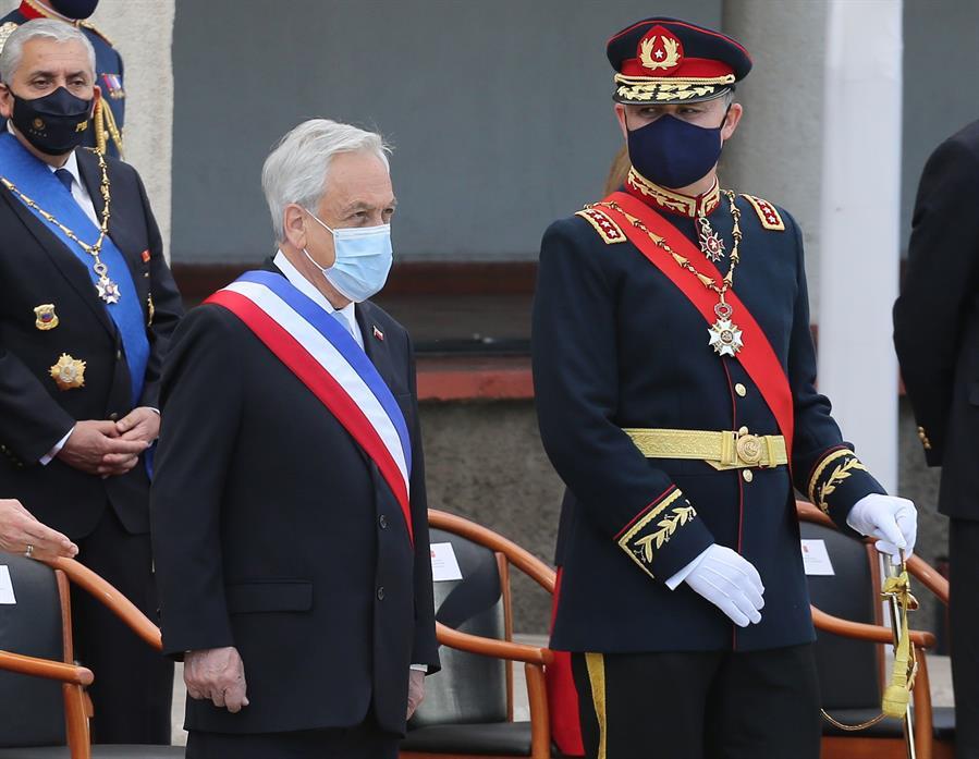 """Piñera insiste en su polémico proyecto de """"Infraestructura Crítica"""" que le permitiría disponer el empleo de las FF. AA a su discreción"""
