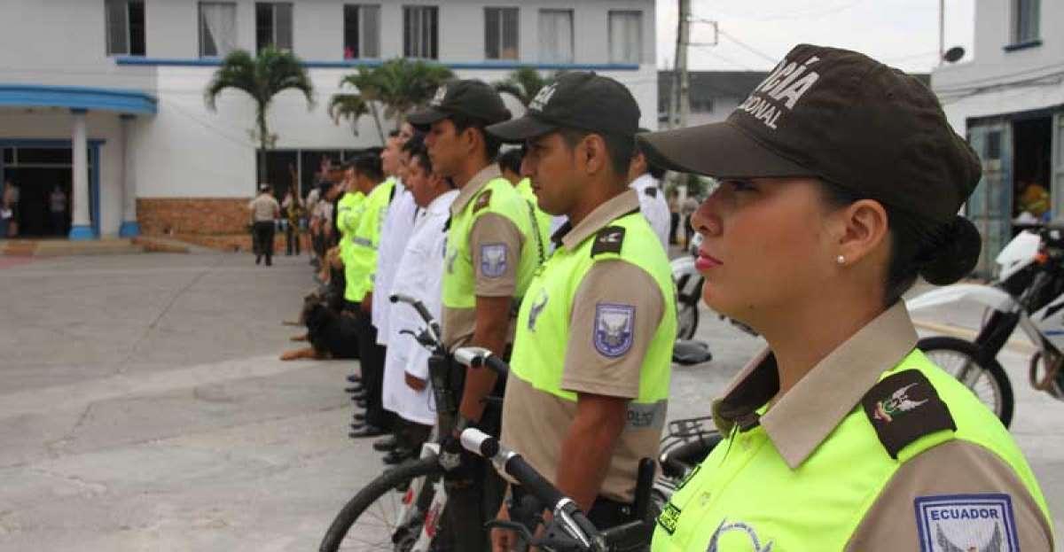 Ministra de Ecuador denuncia estafa de $500 millones al fondo de jubilación de la Policía