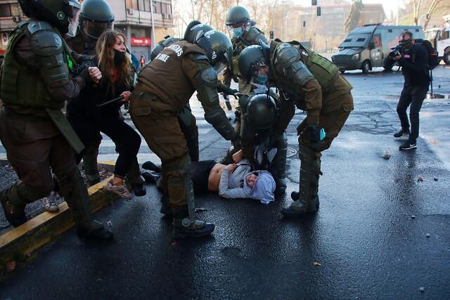 108 personas detenidas por Carabineros durante manifestaciones del 11 de septiembre