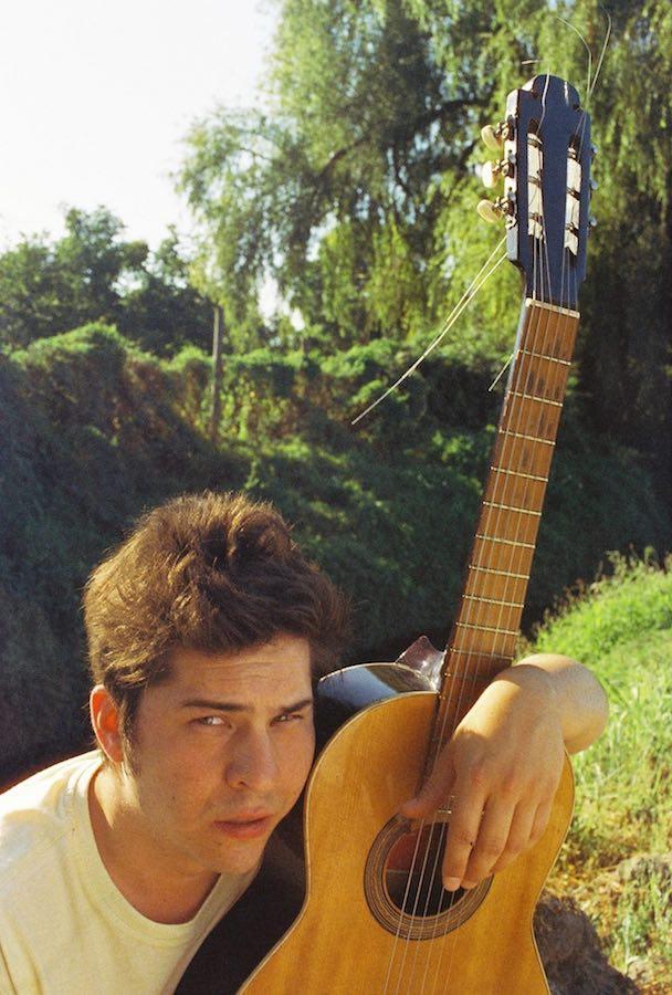 Chino Santana presenta «Amor Abandonado»