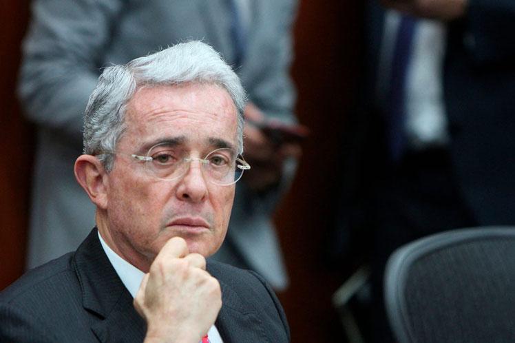 Fiscalía General de Colombia rechaza solicitud de libertad presentada por defensa de Uribe