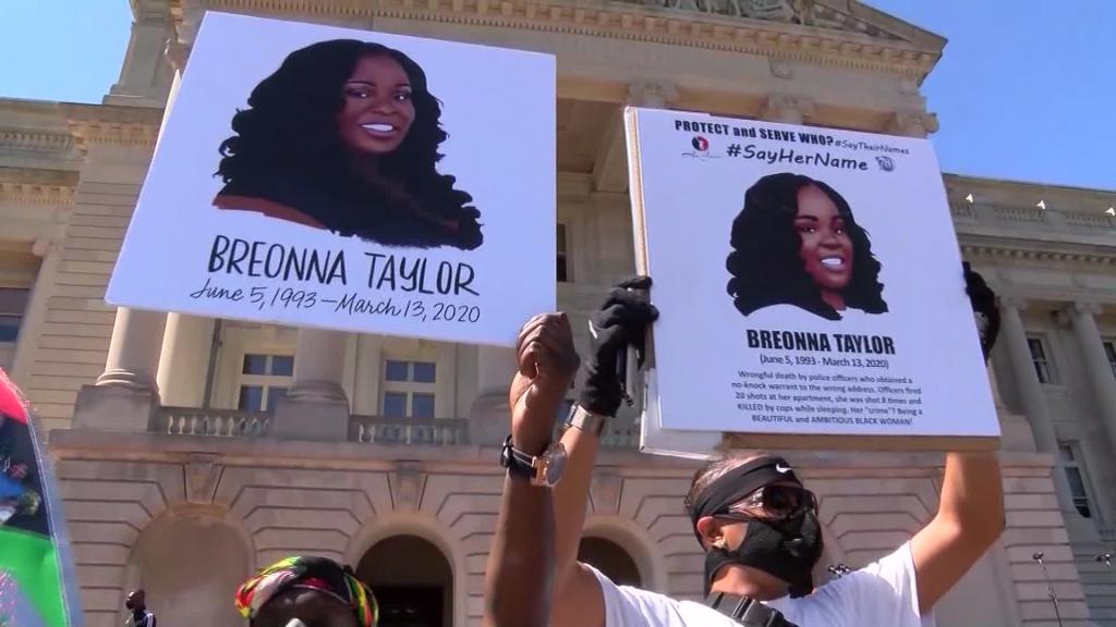 EE. UU.: veredicto sobre muerte de Breonna Taylor genera choques entre manifestantes y policías