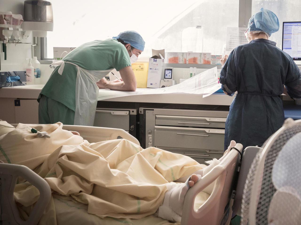 París entró en alerta máxima por aumento de casos de Covid-19: en jaque centros de salud