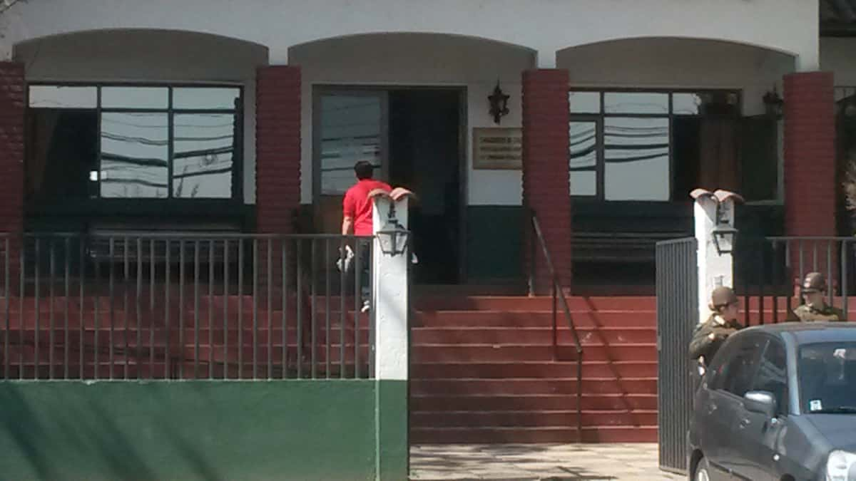 Detienen a tres carabineros por torturas en la 43ª comisaría de Peñalolén
