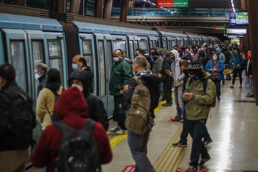 Anuncian gratuidad en Metro de Santiago, Merval y Biotren para el Plebiscito