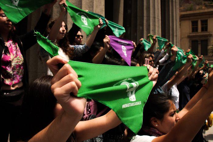 Mesa de Acción por el Aborto: A un año de la revuelta social persiste desprotección del Estado a NNA y disidencias sexuales