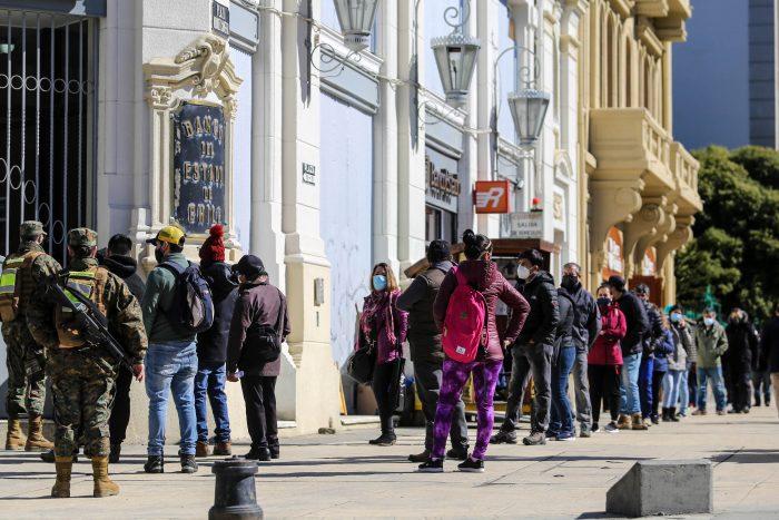Colmed solicita parar actividades esenciales en Punta Arenas ante alza de contagios en la región