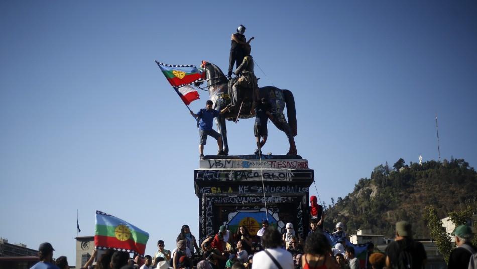 Consejo de Monumentos Nacionales retirará estatua de Baquedano de Plaza Dignidad: Necesita ser restaurada