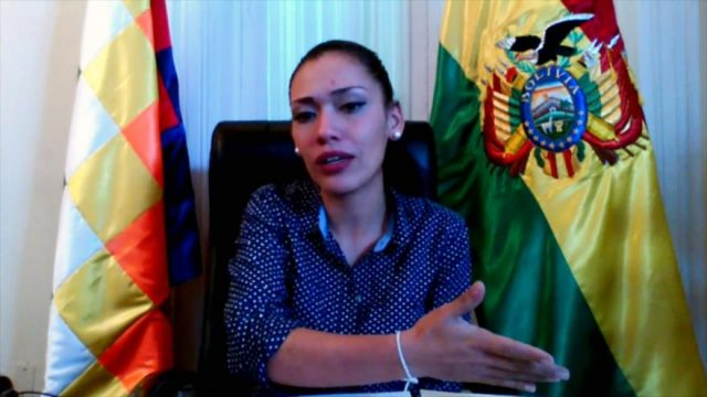 Adriana Salvatierra, Sénatrice de Bolivie: