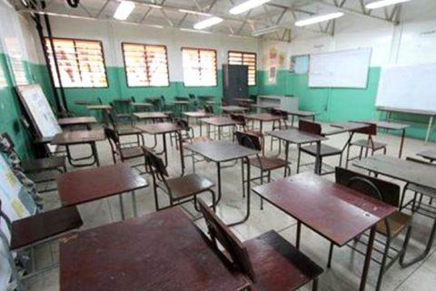 Experimento del retorno a clases presenciales fracasó por inasistencia de alumnos