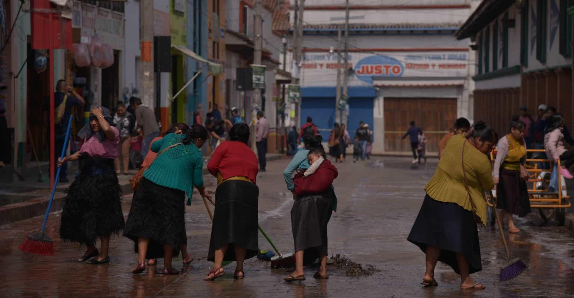Las mujeres en México trabajan semanalmente 6,2 horas más que los hombres