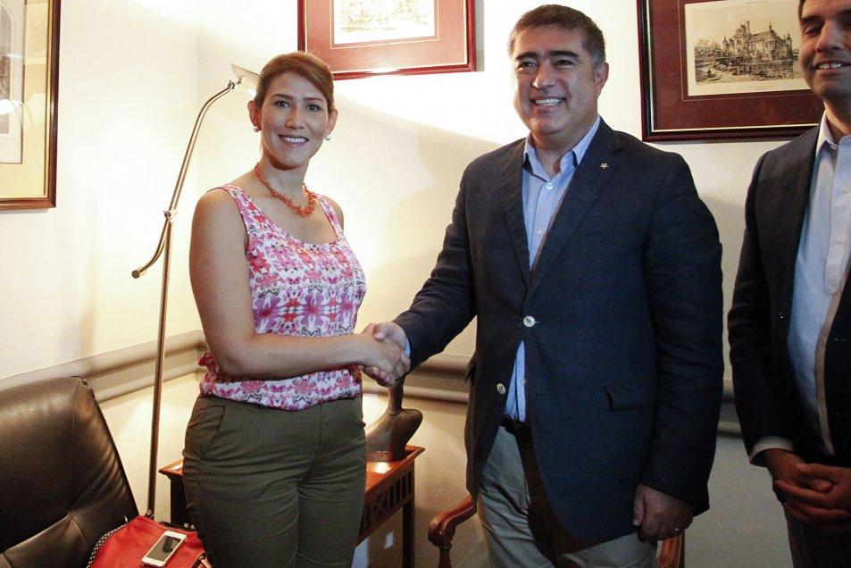 Contraloría investiga uso de fondos públicos para financiamiento ilegal de opositora venezolana en Chile