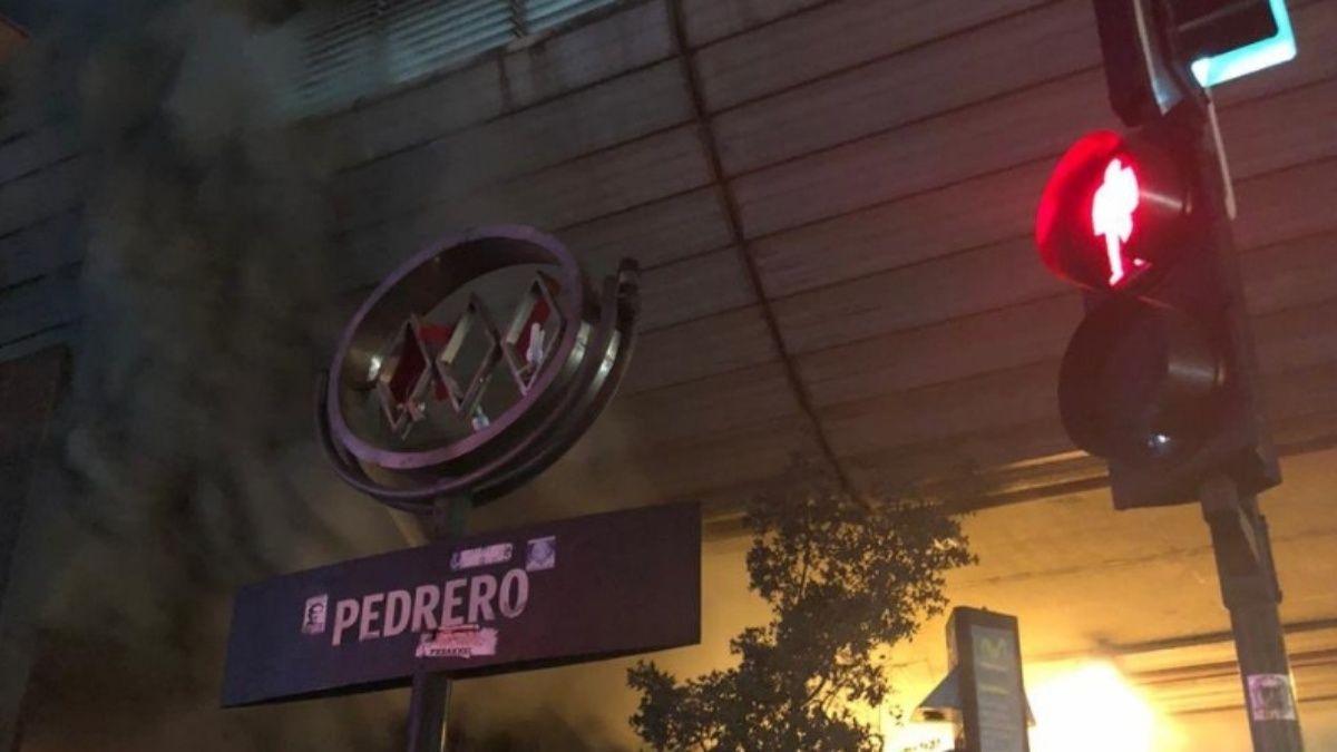 Absuelven a acusados por incendio en Metro Pedrero: Tribunal calificó como ilícitas las pruebas del Ministerio Público