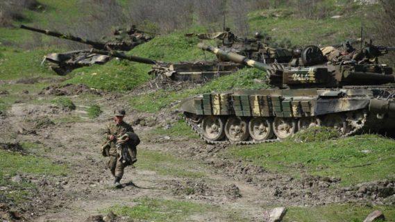 El parlamento de Nagorno Karabaj descarta pedir un alto al fuego