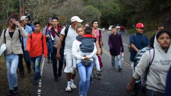 AMLO dispuesto a ofrecer opciones ante la caravana de  migrantes centroamericanos