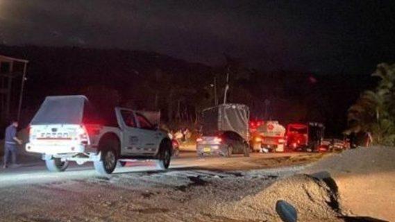 Colombia: Indígenas bloquean vía panamericana en protesta para exigir seguridad