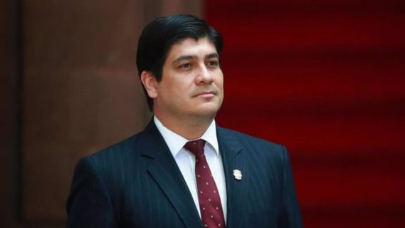 Presidente de Costa Rica desiste de concretar acuerdo con el FMI