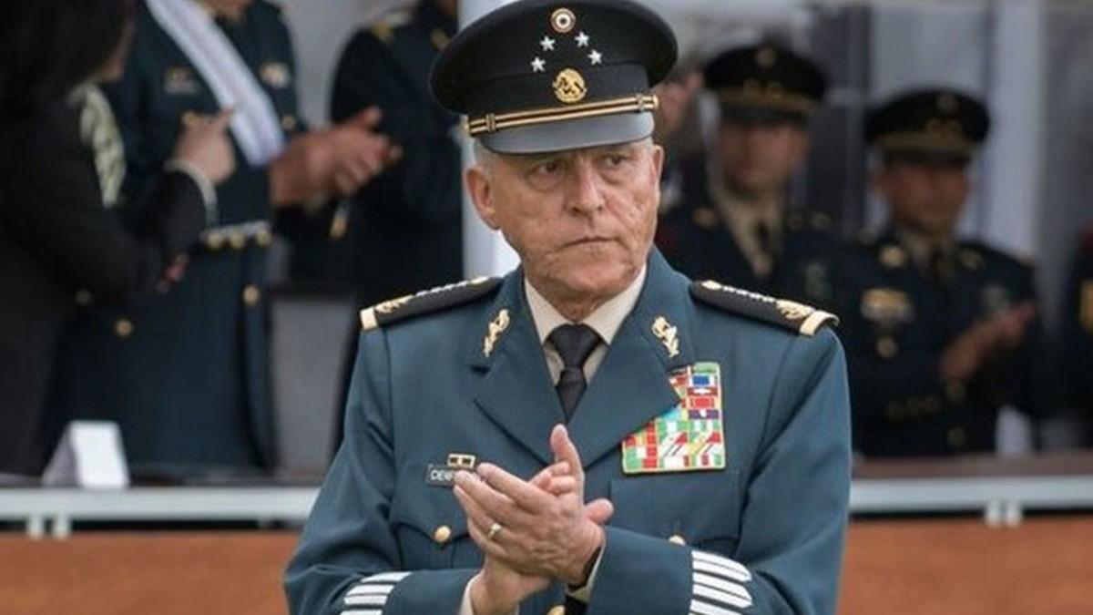 Exsecretario de la Defensa de México es detenido en EE.UU.