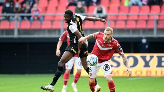 Incidente racista durante partido de fútbol en Francia divide a la fanaticada