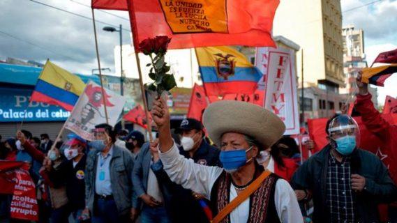 Ecuador: Manifestantes llenan las calles de varias ciudades en protesta contra política económica del gobierno