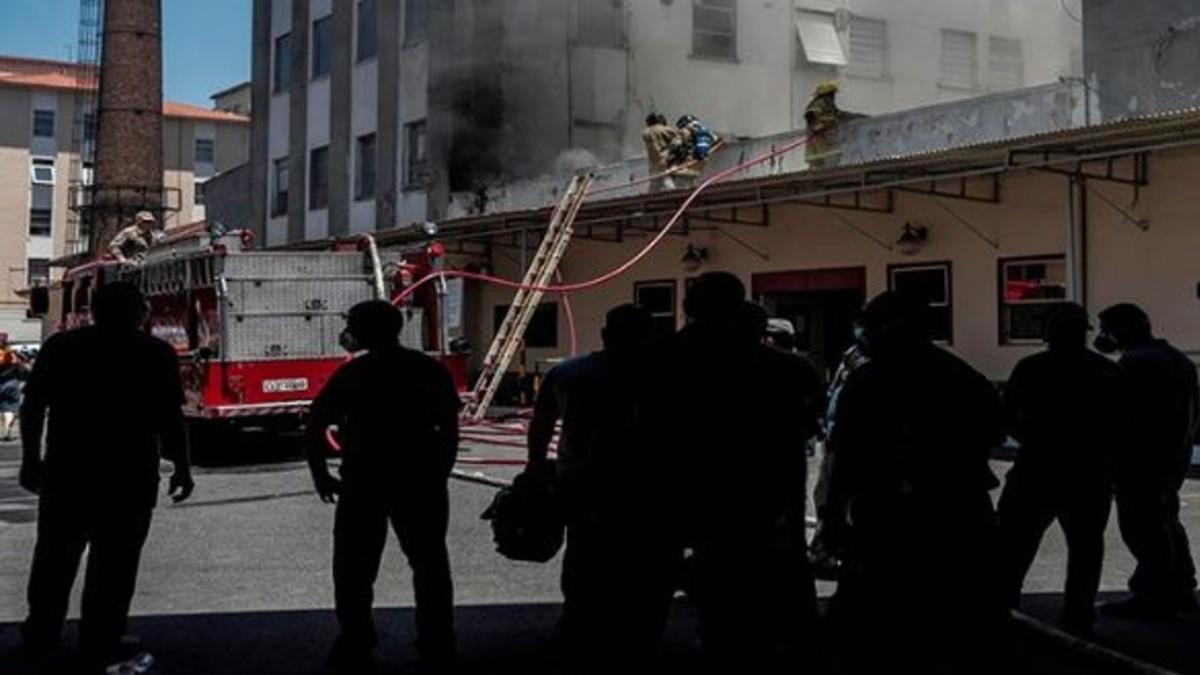 Brasil: Se registran 3 fallecidos por incendio en hospital de Río de Janeiro
