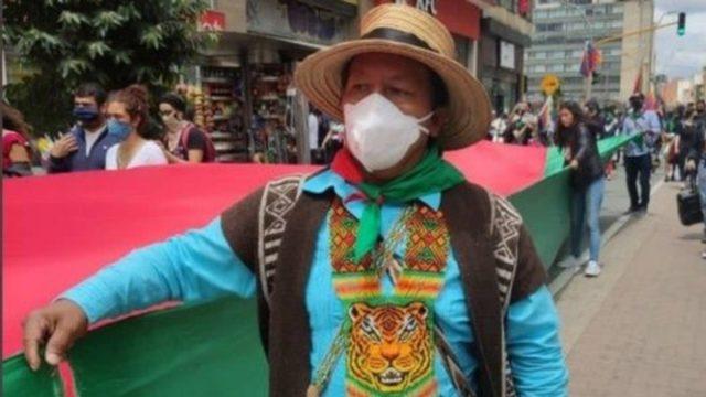 Atentan contra líder indígena Feliciano Valencia en Colombia