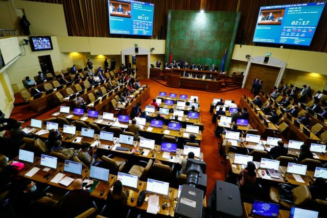 Oposición presenta proyecto para evitar que autoridades de Gobierno se postulen en la Convención Constitucional