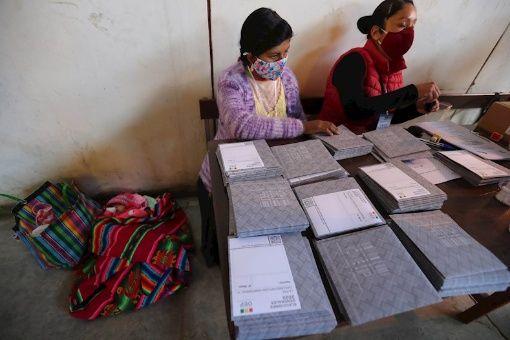 Comenzó conteo de votos de elecciones generales en Bolivia