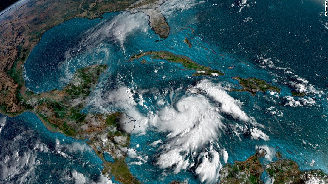 El huracán Delta se fortalece y alcanza categoría 3 en su paso hacia EE.UU.