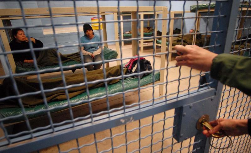 Dos mexicanas fueron operadas sin su consentimiento en centro migratorio de EE.UU.