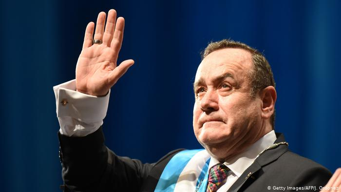 Vicepresidente de Guatemala propone a Giammattei que ambos renuncien