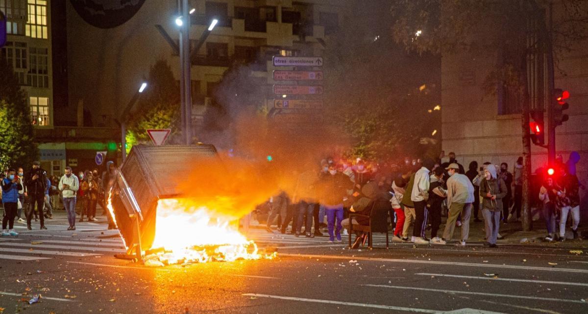 España: Disturbios y protestas contra las nuevas restricciones por la pandemia