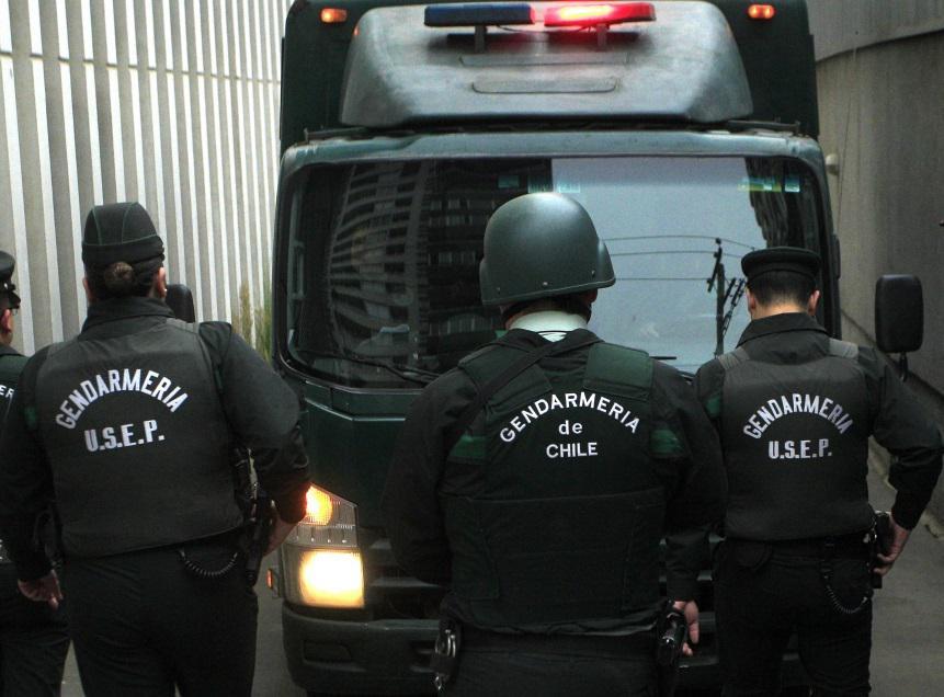 Internos del CET de Vilcún denunciaron que alcaide y gendarmes los presionaron para implantar droga en el dormitorio de Celestino Córdova