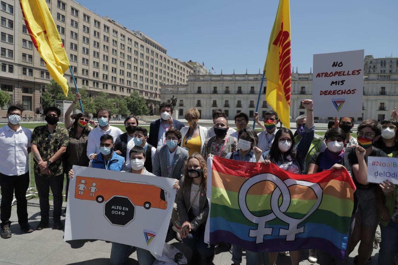 """Red de Municipios por la Diversidad Sexual se manifestó en contra del """"bus de la libertad"""""""