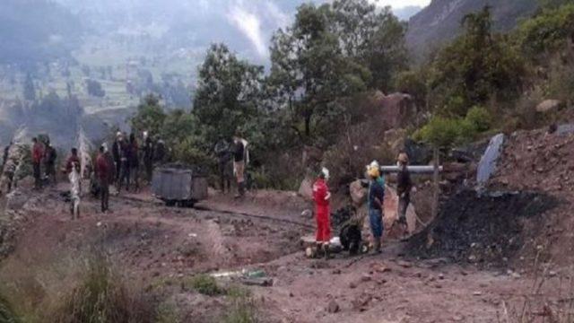 Colombia: 14 mineros son rescatados con vida tras derrumbe