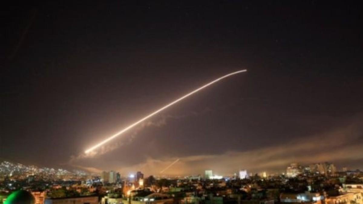 """Defensa Aérea siria repele una """"agresión israelí"""" sobre Damasco"""