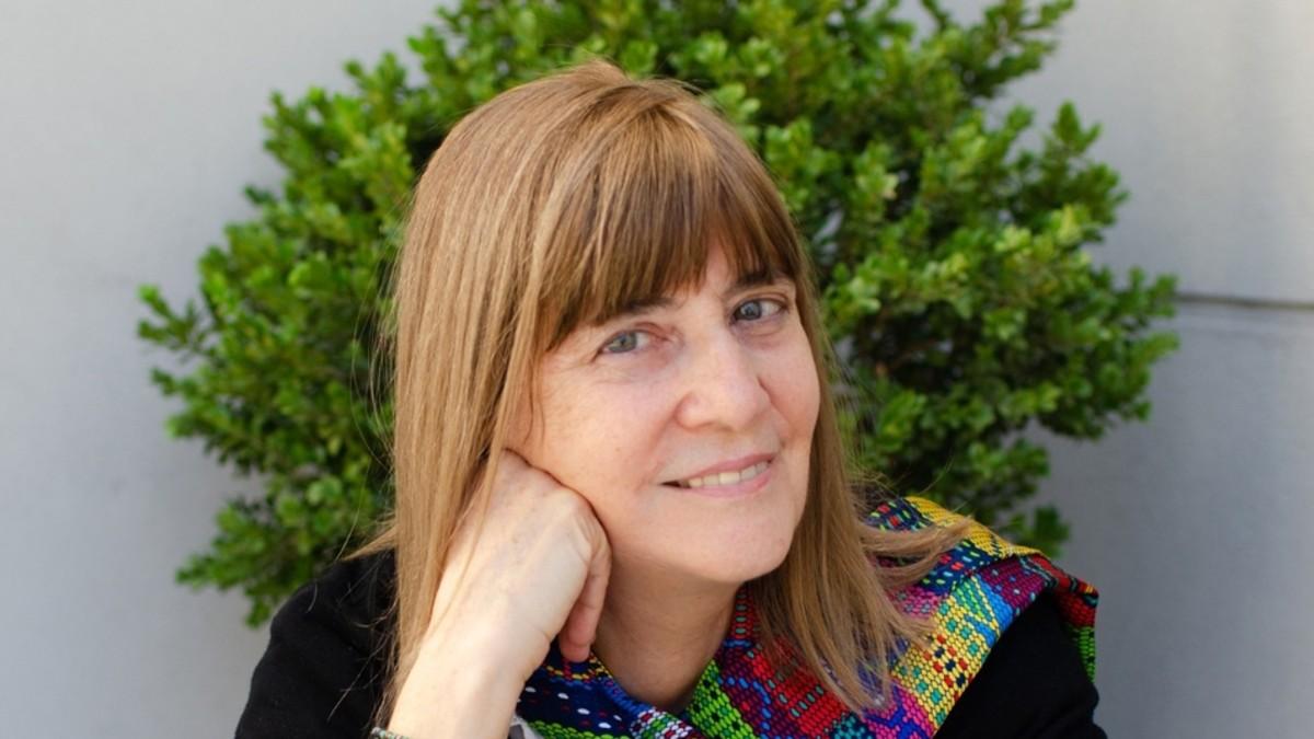 """Escritora Perla Suez: """"Desde que se colonizaron estas tierras hubo genocidio, pero también hubo sobrevivientes para contar"""""""