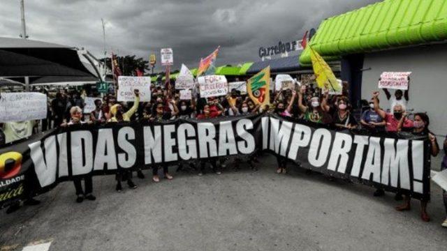 Activistas exigen responsabilizar a empresas por crimen racial en Brasil