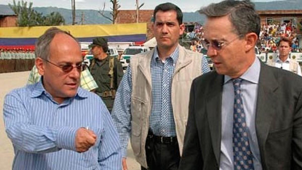 Colombia: Fiscalía desestima proceso contra hermano de Uribe por financiar paramilitares